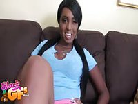 Hot ebony kneels down to suck a cock