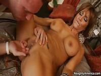 Flexible bronze milf gives guy a good time