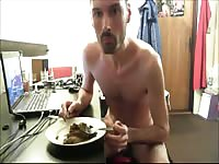 Well-known scat lover spreads his ass cheeks and prepares a meal of shit for himself to eat